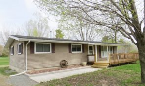 485 E Murphy St. Gilman-Updated and move-in ready home!