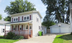 112 E Elm St Thorp-Lovely home w/ fenced yard & much more!